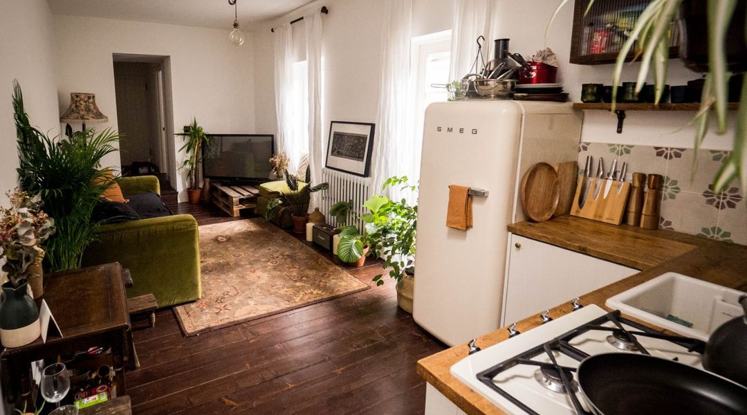 Protected: What is the Best Alternative to Airbnbs for Finding a House for Filming?
